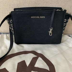 Michael Kota cross body purse